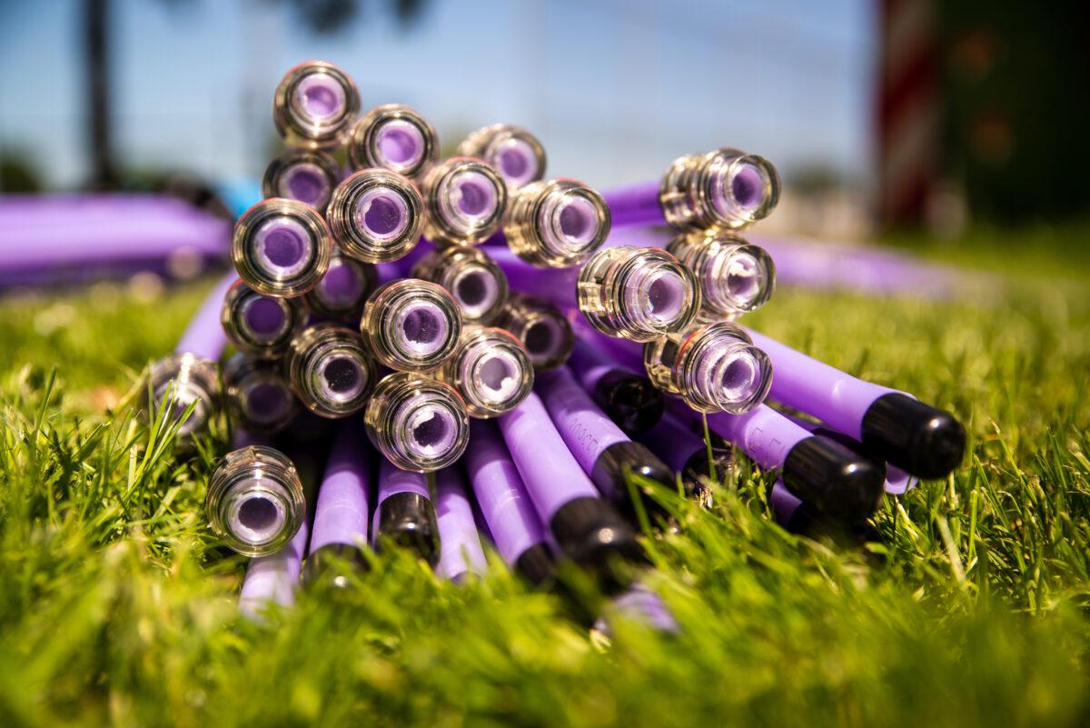 E-Fiber glasvezelkabels in het gras